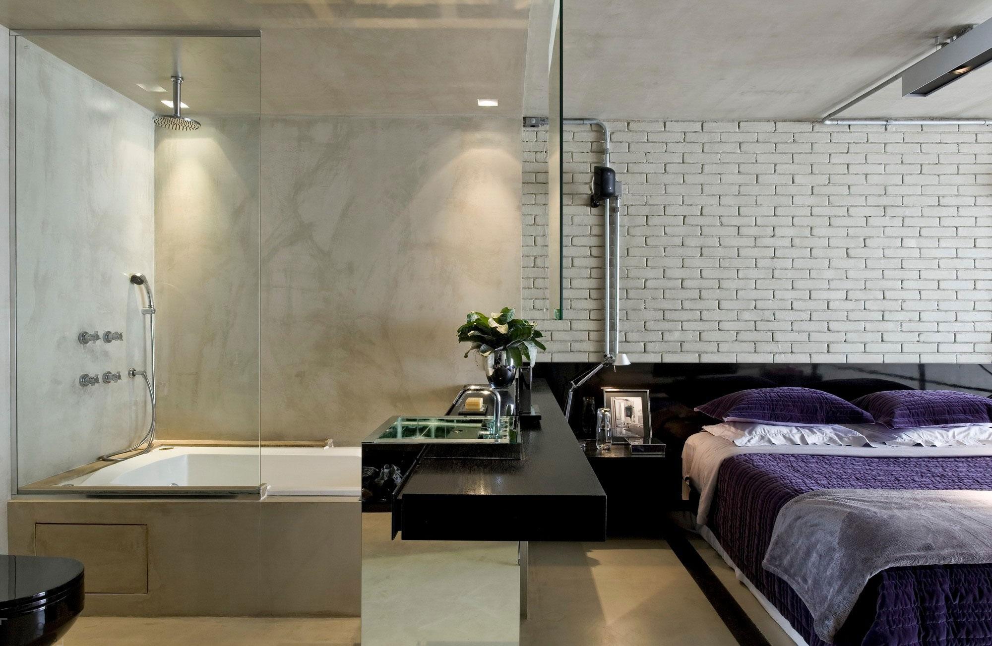 Совмещенная ванная и спальня в индустриальном стиле