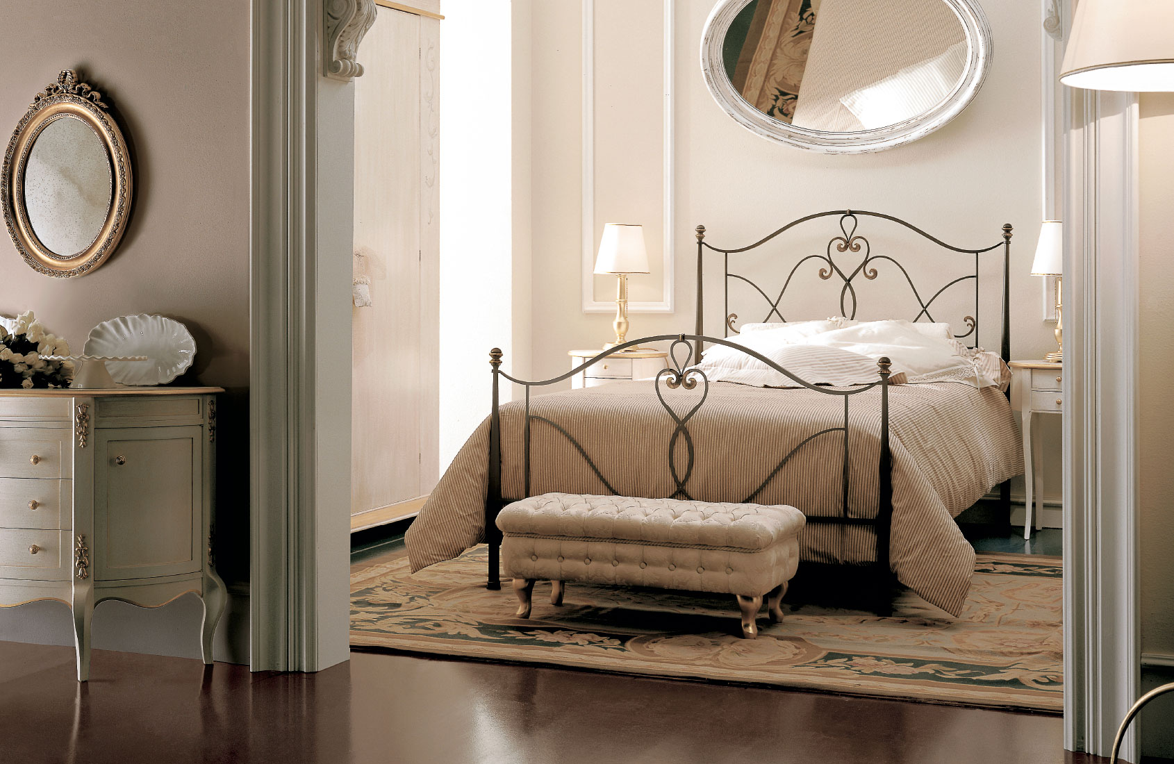 Кованая кровать в интерьере