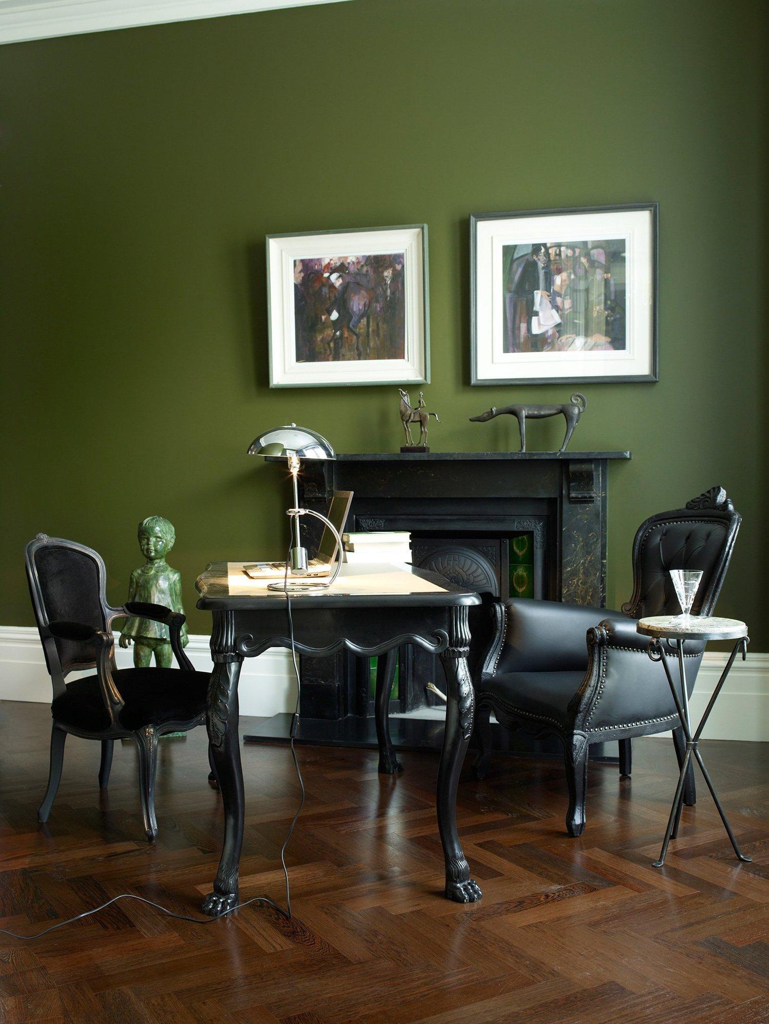 Оливковый цвет в кабинете