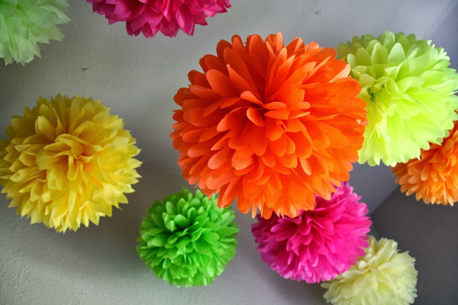 Подвесные бумажные шары для украшения