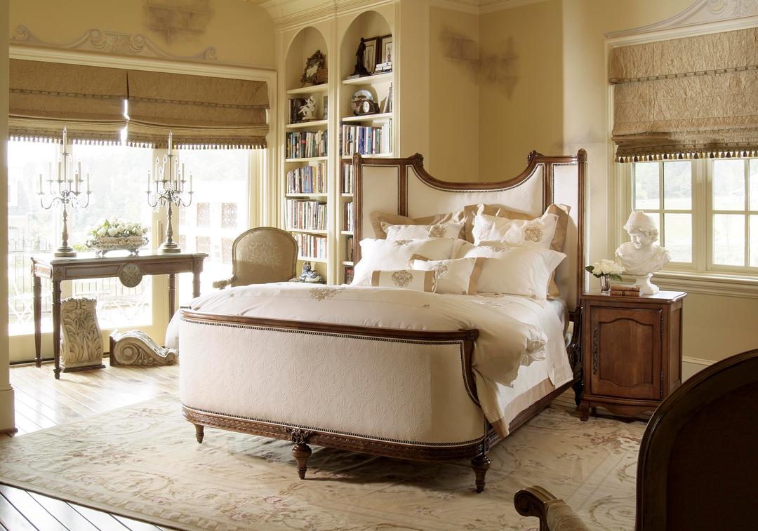 Стиль Ренессанс в интерьере спальни