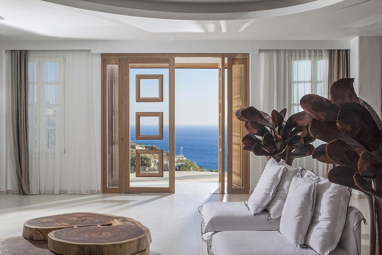 Греческий стиль в интерьере гостиной