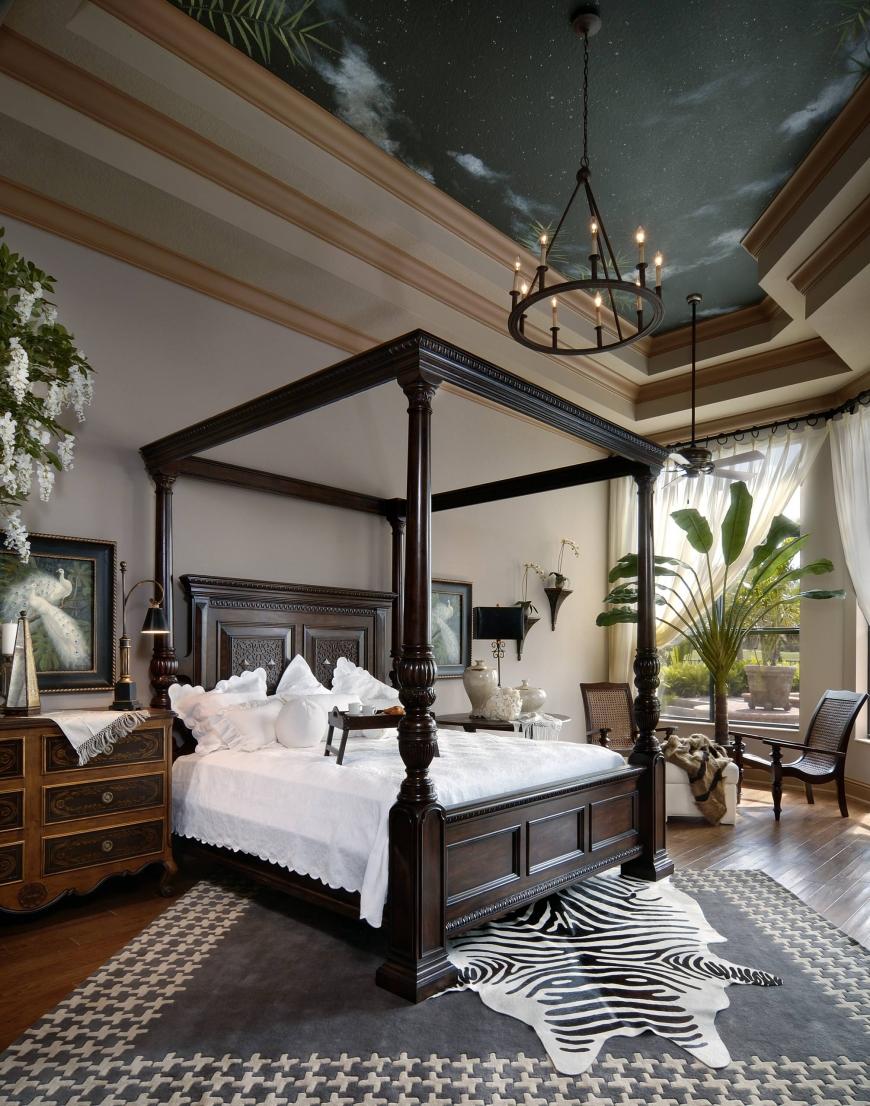 Большая спальня в колониальном стиле
