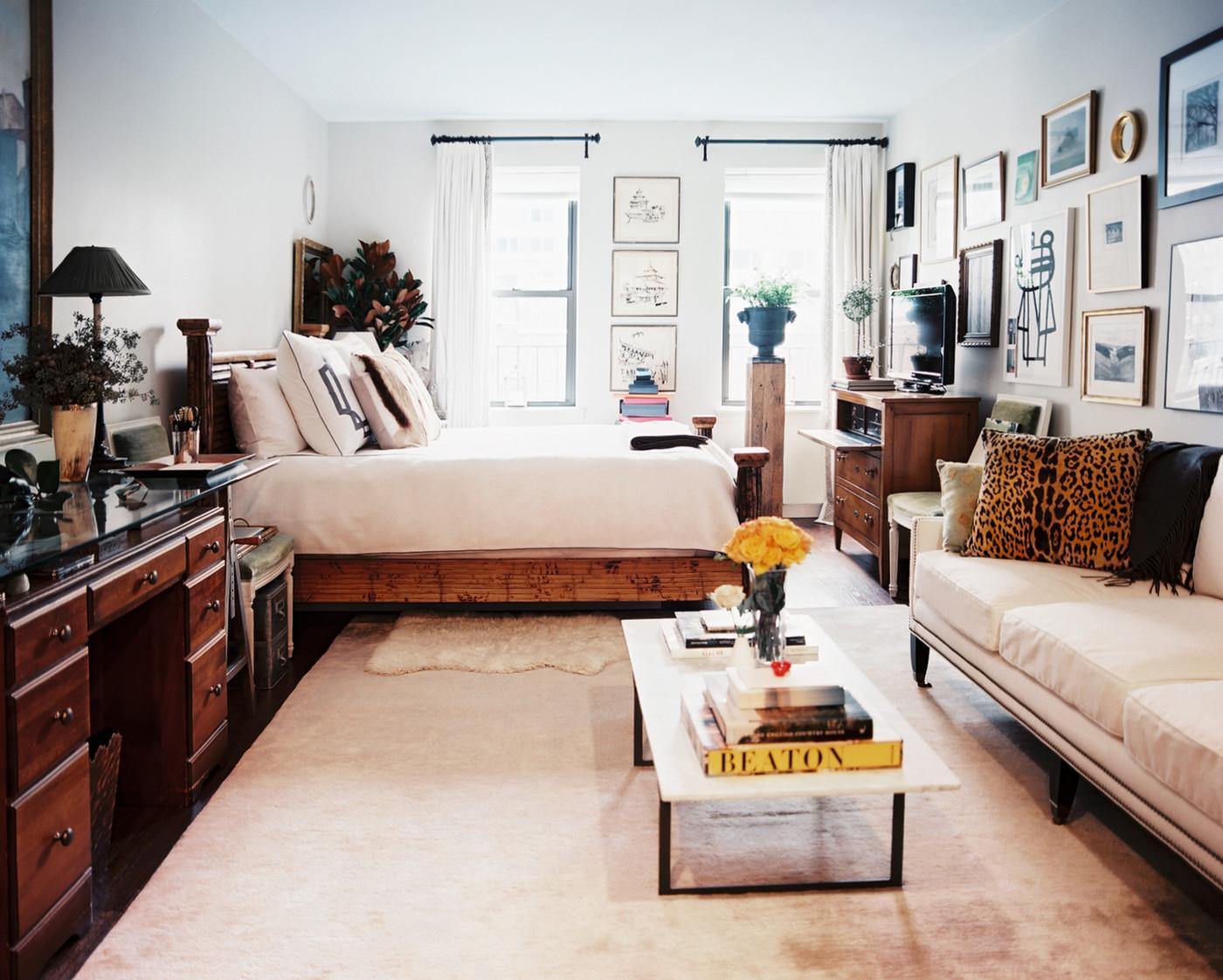 Светлая спальня в колониальном стиле
