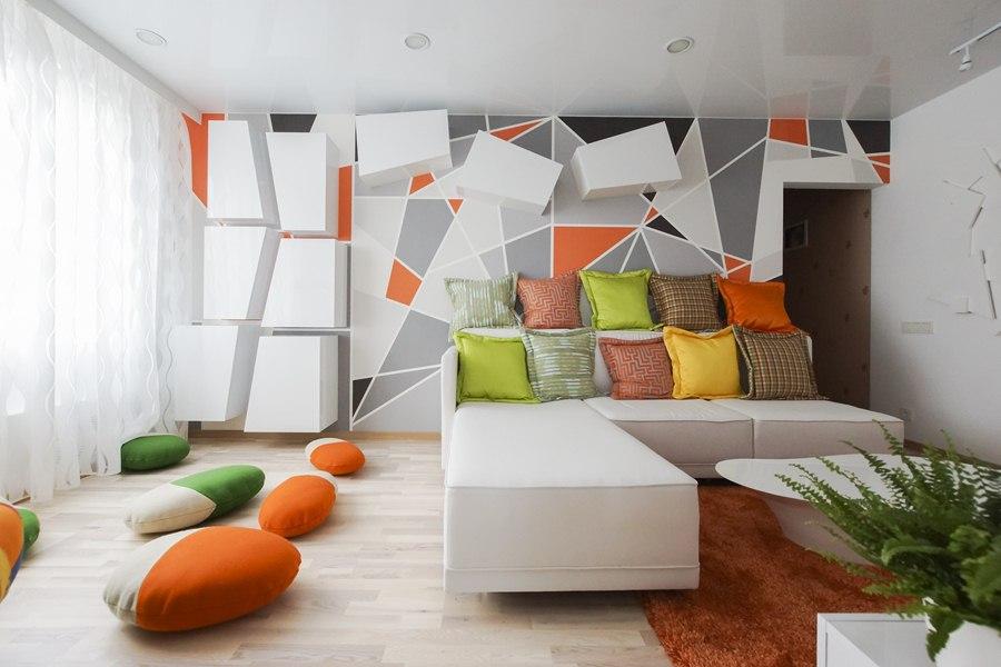 Разноцветные стены в гостиной в стиле конструктивизм