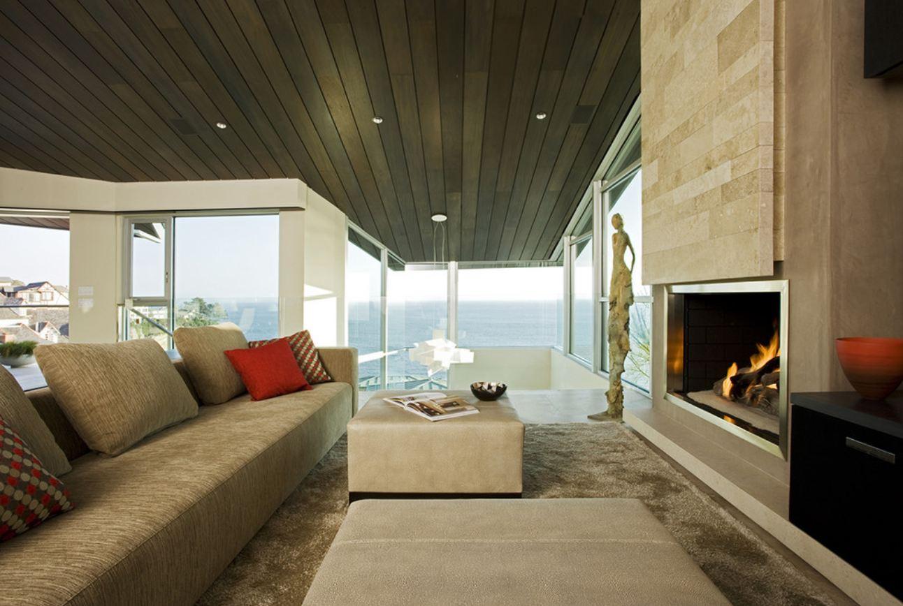 Точечное освещение в гостиной с камином в стиле конструктивизм