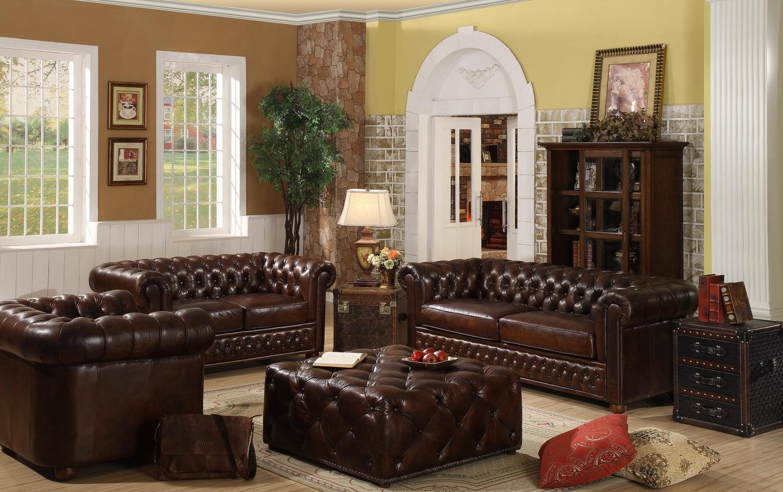 Кожаная мебель в интерьере большой гостиной