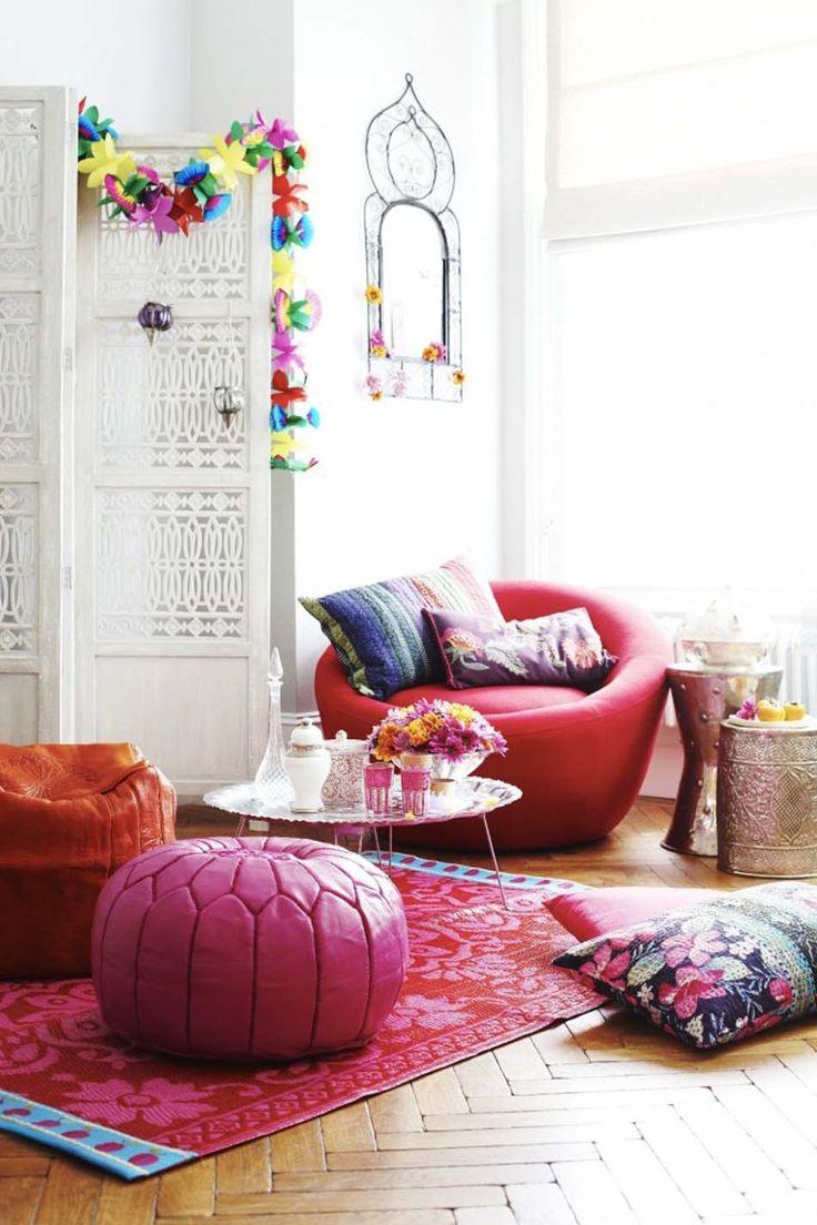 Розовая кожаная мебель в интерьере