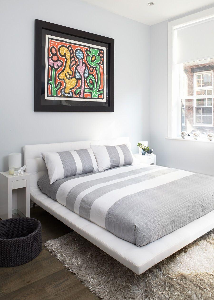 Современная белая кожаная кровать