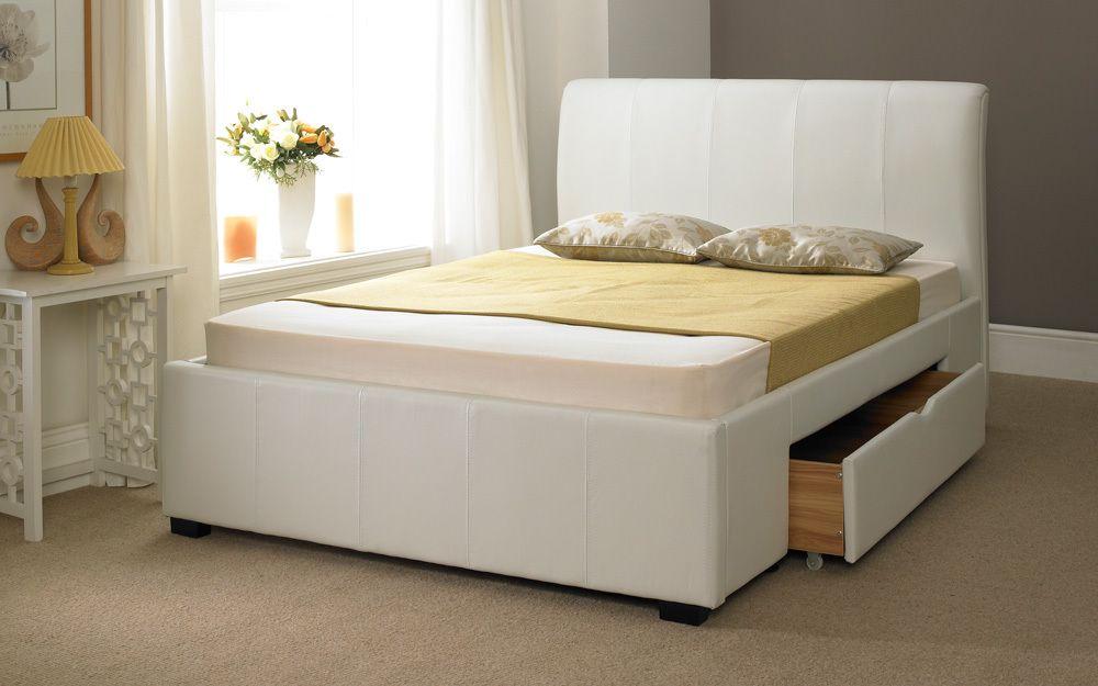 Белая кровать с выкатным ящиком