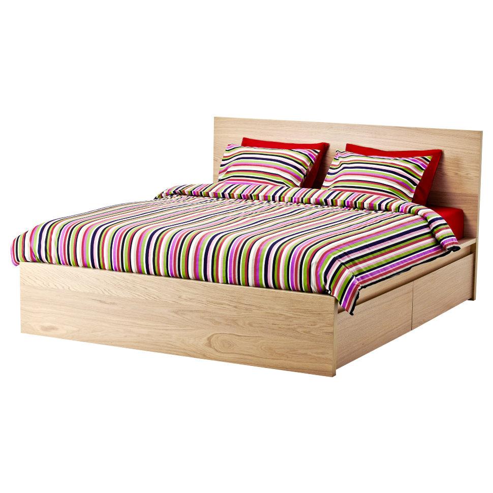 Коричневая кровать с ящиками
