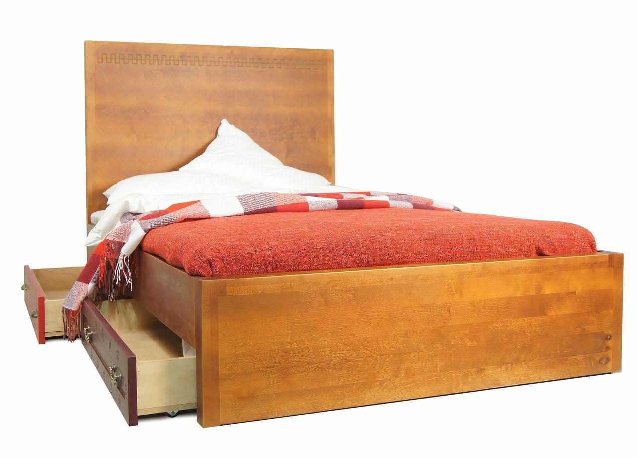 Детская кровать с ящиками из натурального дерева