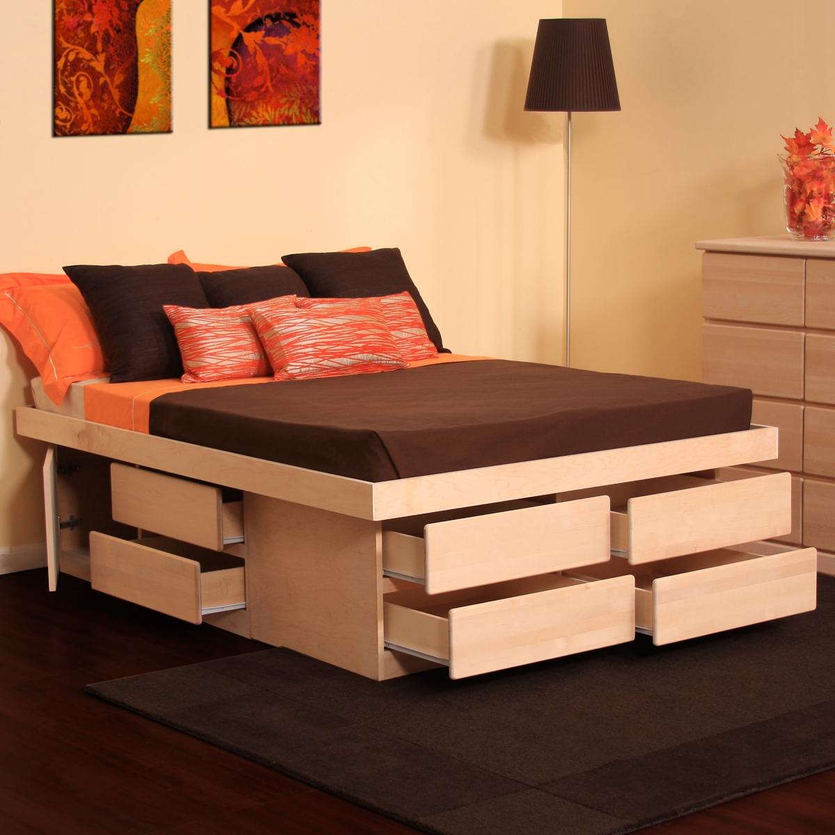 Высокая бежевая кровать с ящиками