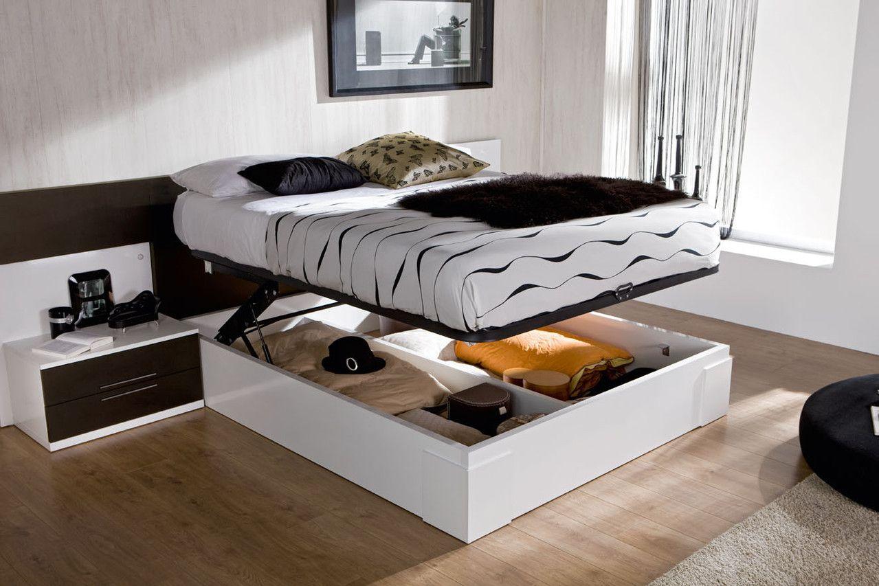 Кровать с подъемным механизмом в спальне