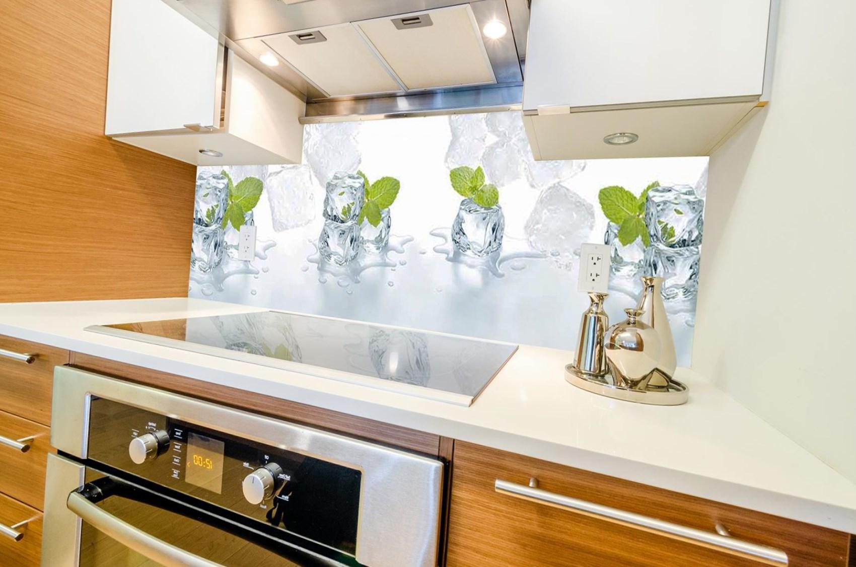 Кухонный фартук из пластика