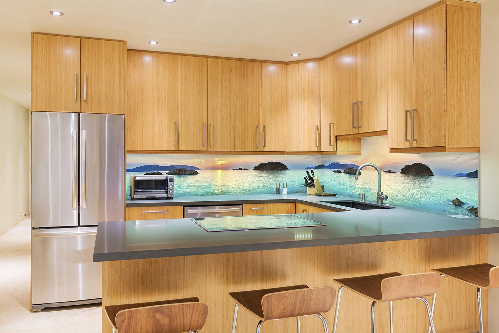 Кухонный стеклянный фартук с изображением моря