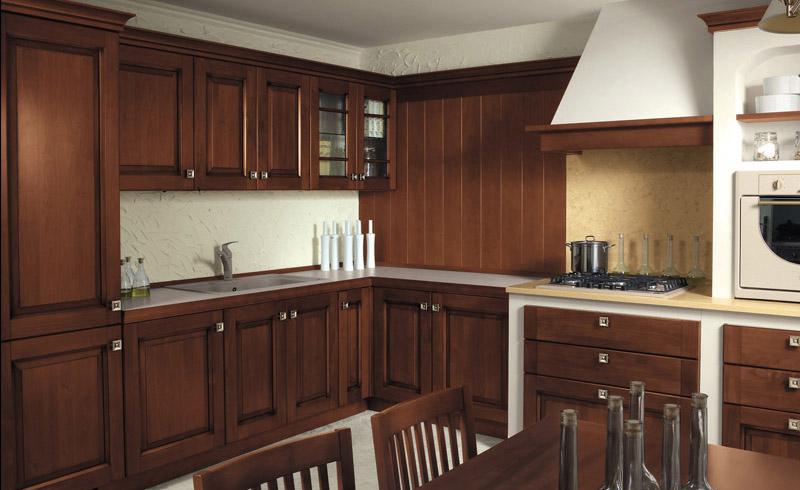 Бело-коричневая кухня в классическом стиле