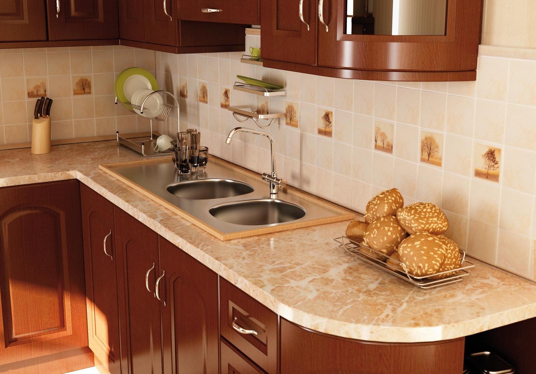 Матовая бежевая плитка на стене кухни