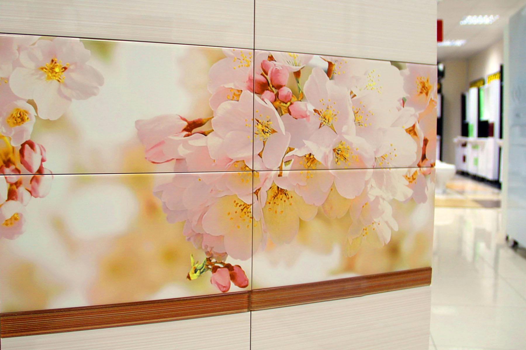 Фотоплитка на стене кухни