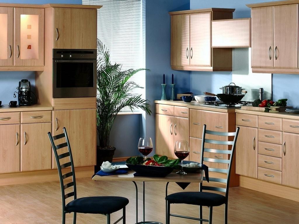 Сине-коричневая кухня