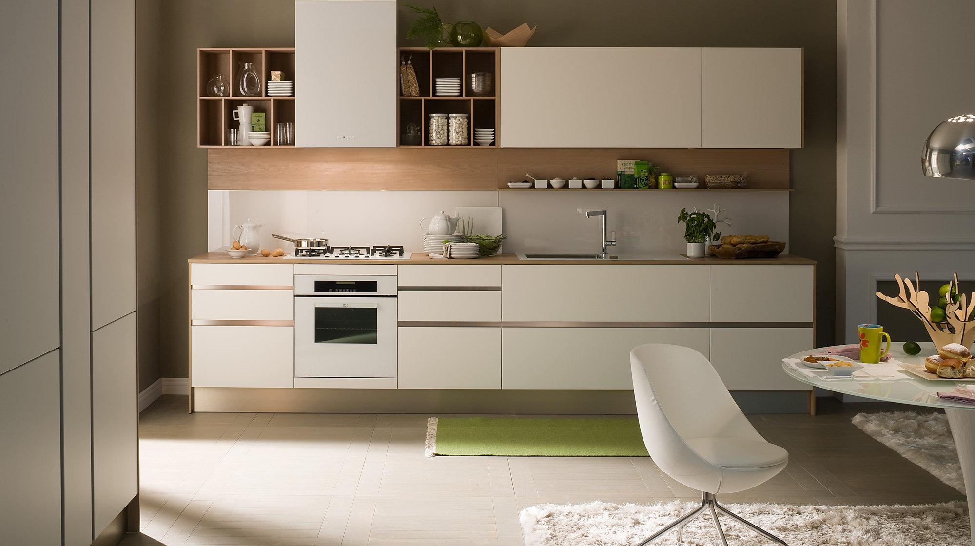 Бежево-коричневая кухня в стиле модерн