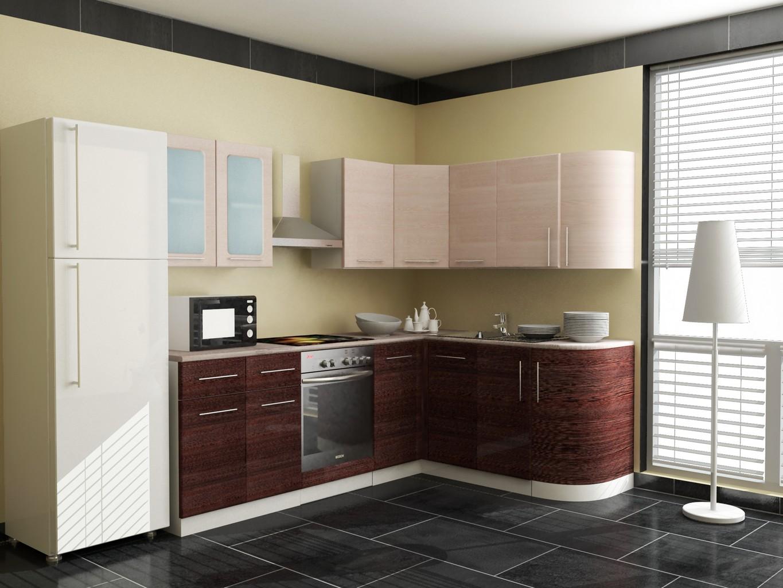 Кремово-коричневый угловой гарнитур на кухне