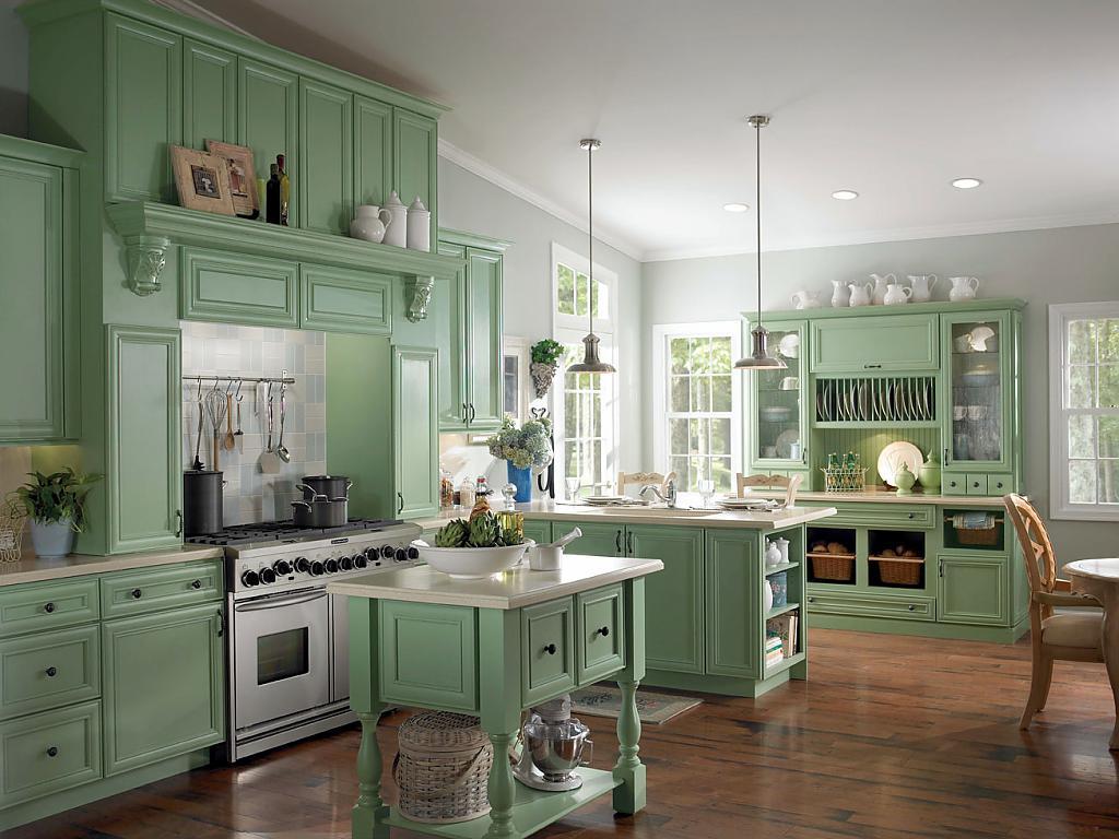 Большая зеленая кухня