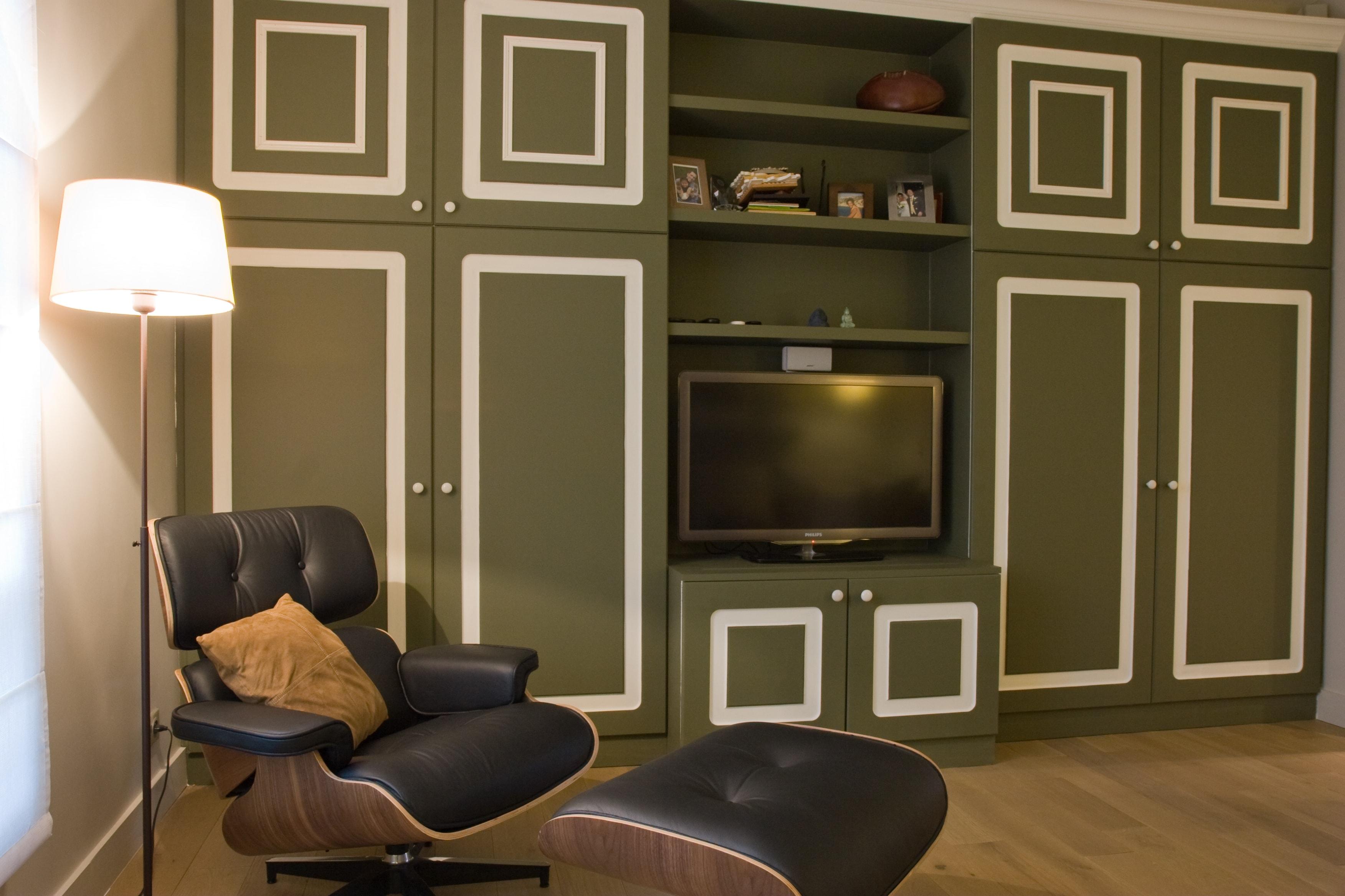Оливковая мебель в гостиной