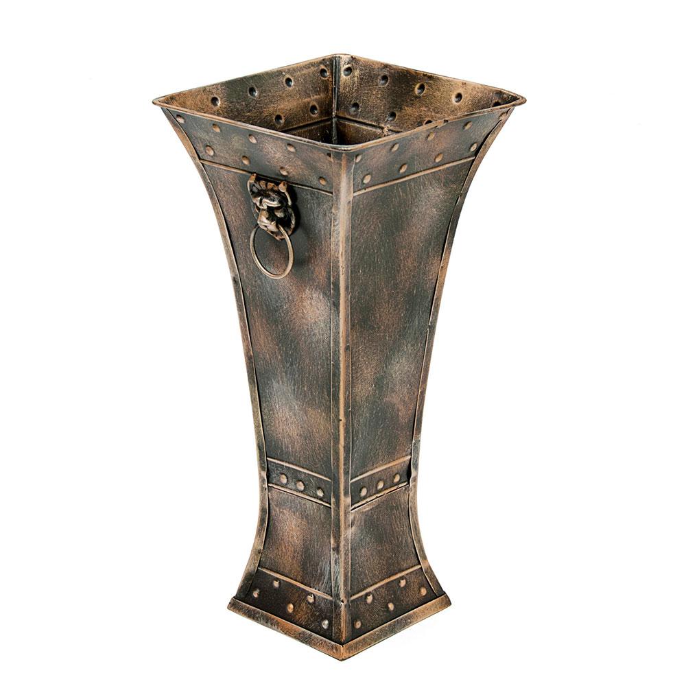 Металлическая ваза для интерьера