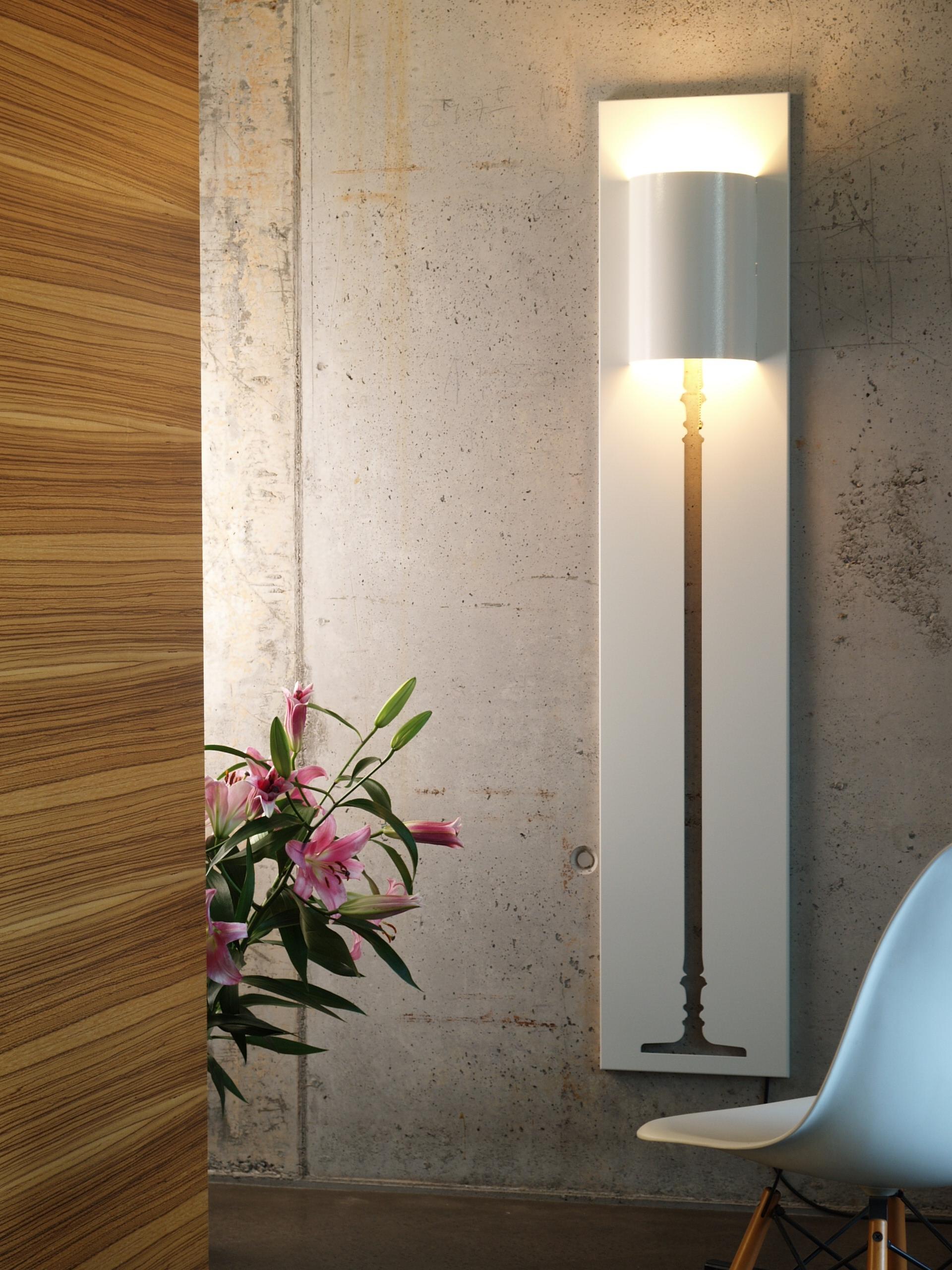 Оформление настенного светильника металлом