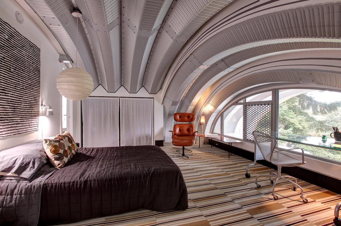 Отделка арочного потолка металлом в спальне