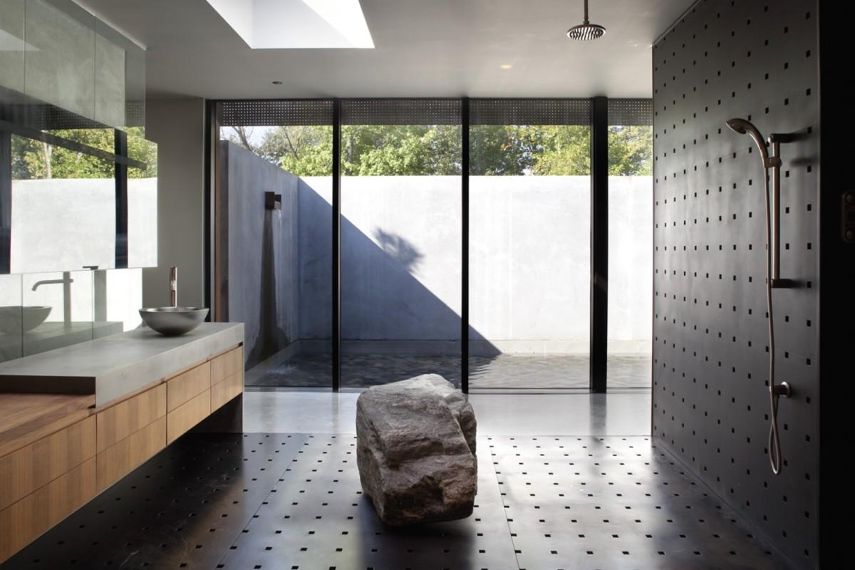 Отделка ванной комнаты металлом