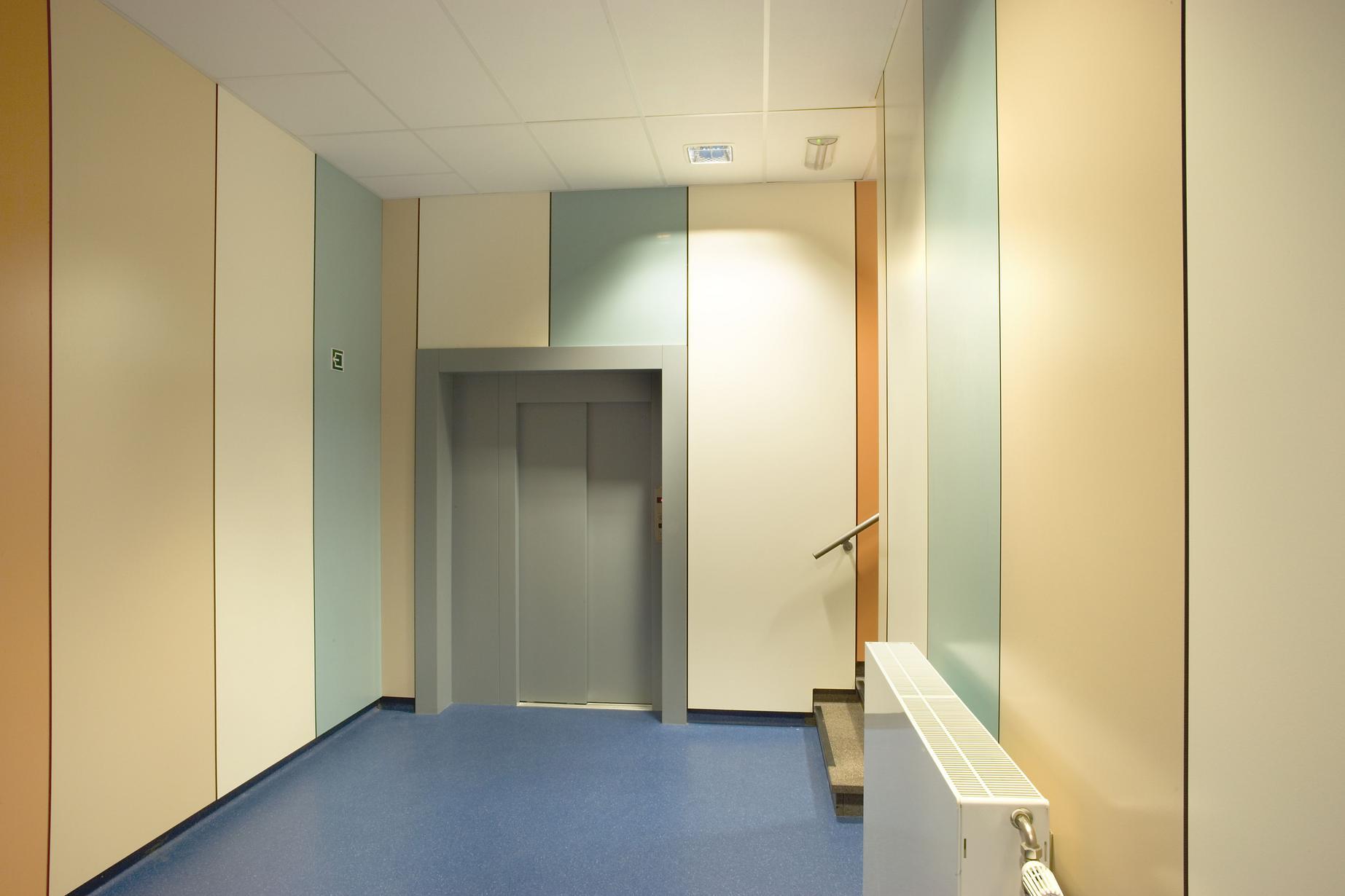 ПВХ панели часто используют для отделки офисных помещений