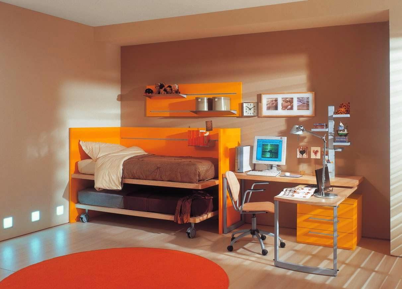 Оранжево-персиковая детская комната