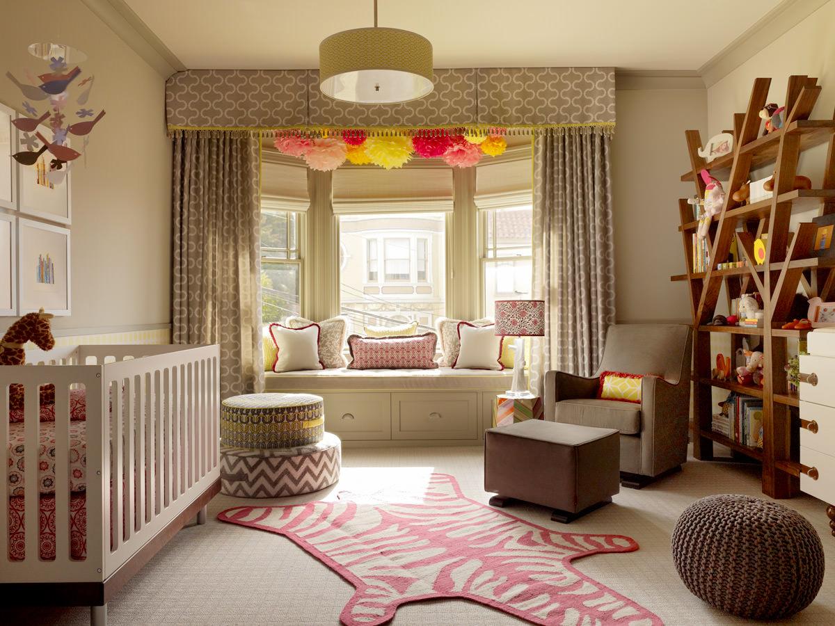 Подоконник–диван-система хранения в детской