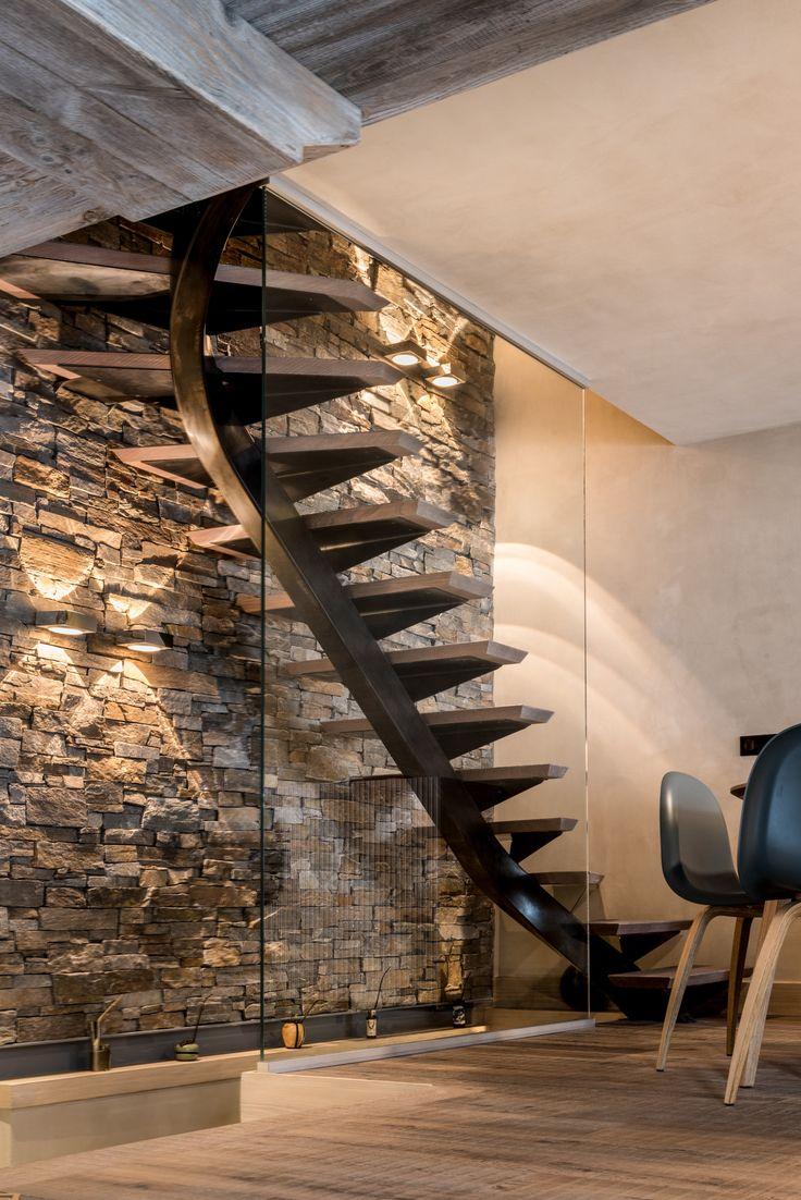 Отделка стен декоративным камнем с подсветкой