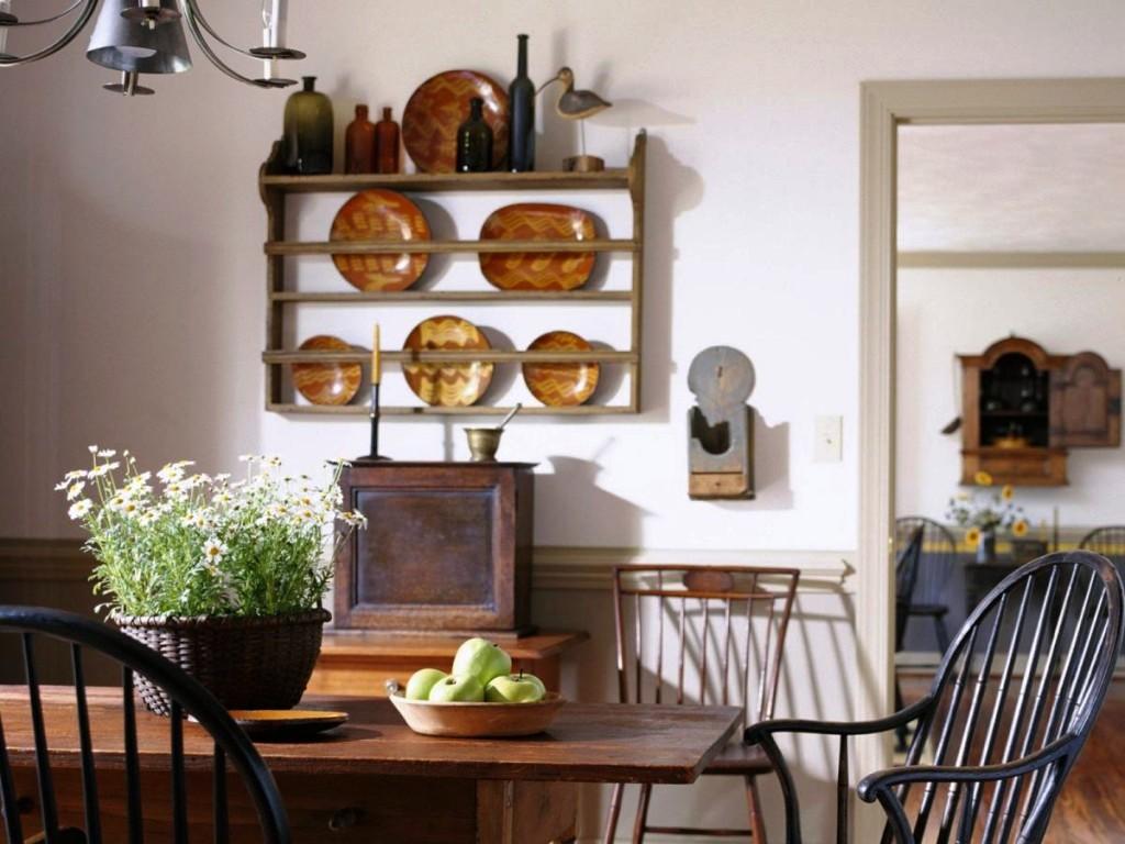 Декорирование кухни настенными тарелками