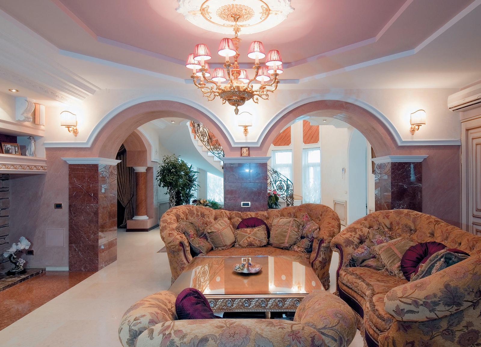Красивый дизайн потолка из гипсокартона в гостиной