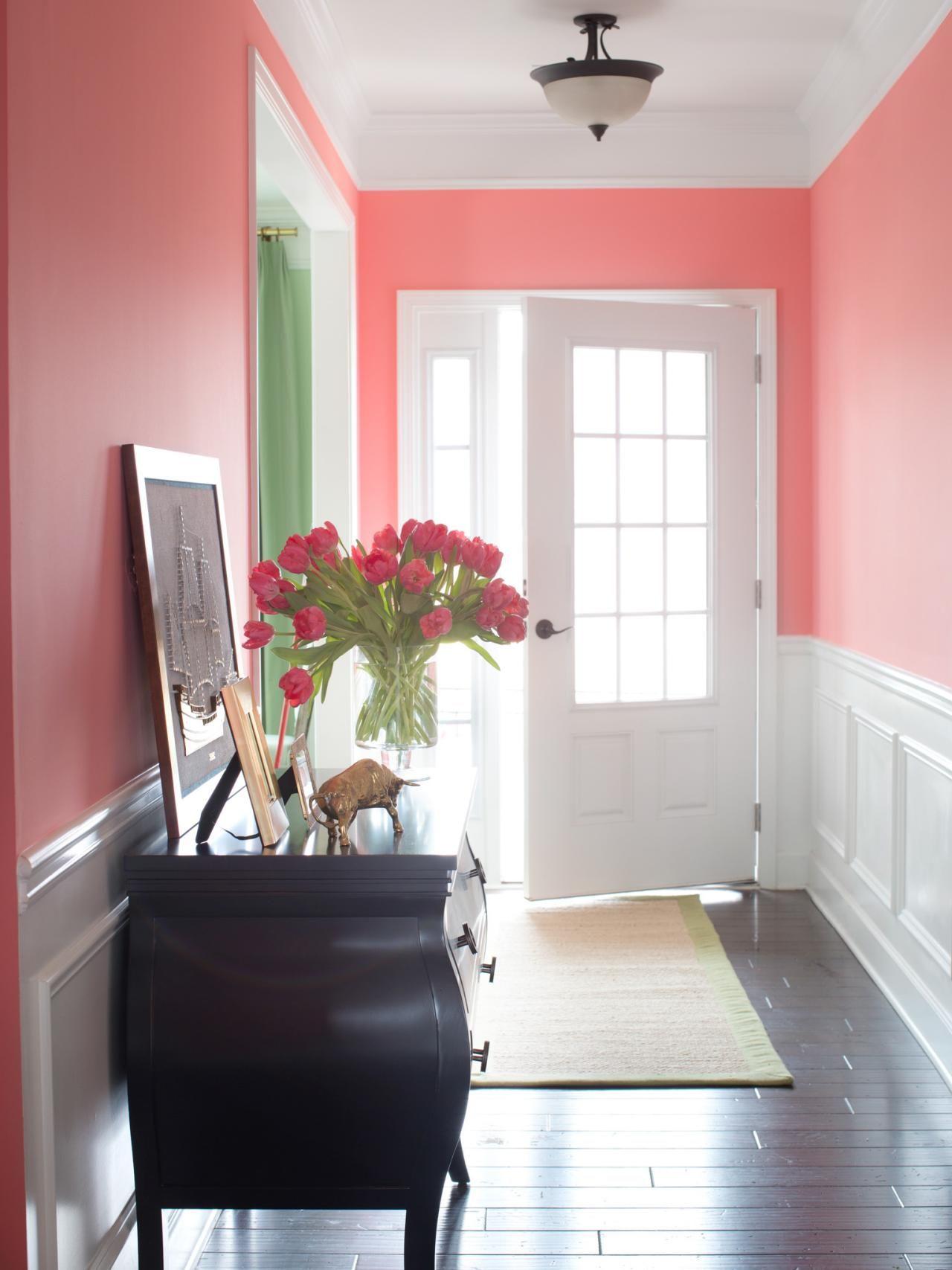 Интерьер прихожей в розовом цвете