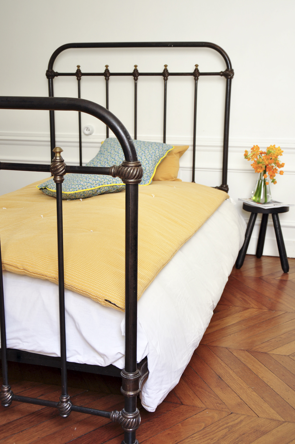 Кованая кровать в стиле ретро