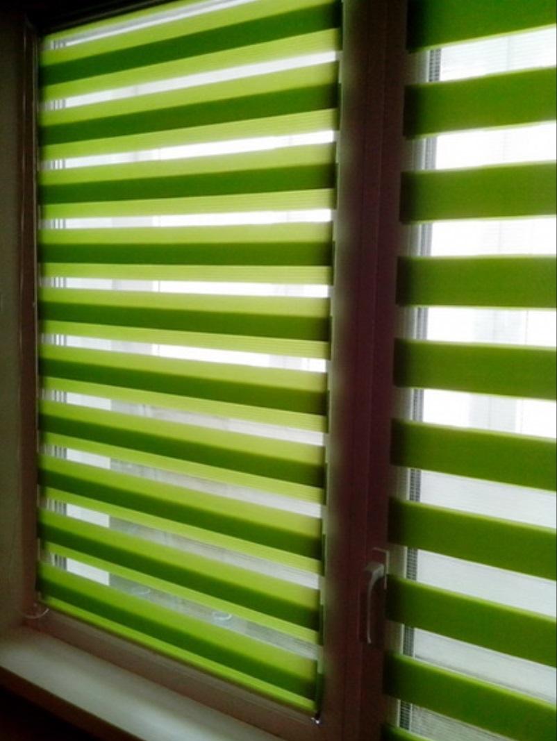 Зелено-салатовые римские шторы день-ночь