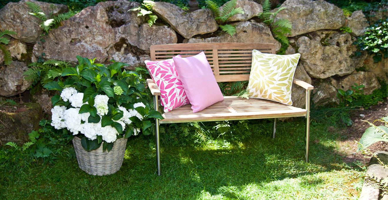 Садовые скамейки (20 фото): оригинальные идеи дизайна