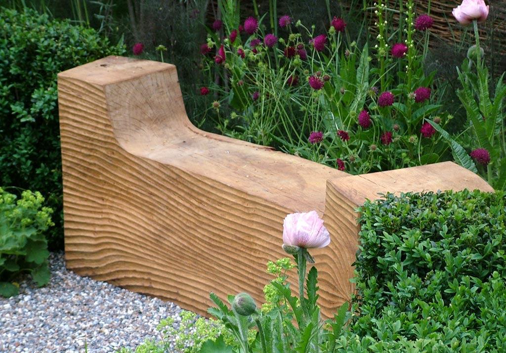 Необычный дизайн скамейки