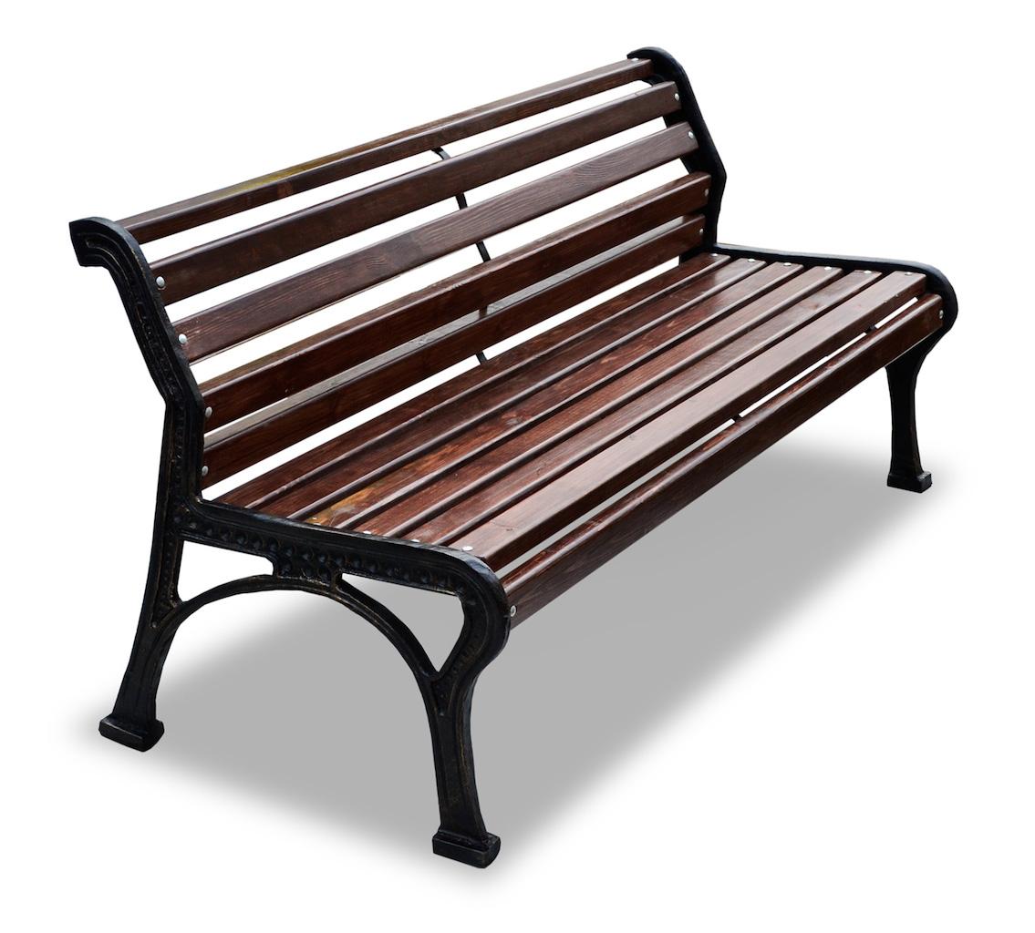 Темная скамейка из дерева и металла