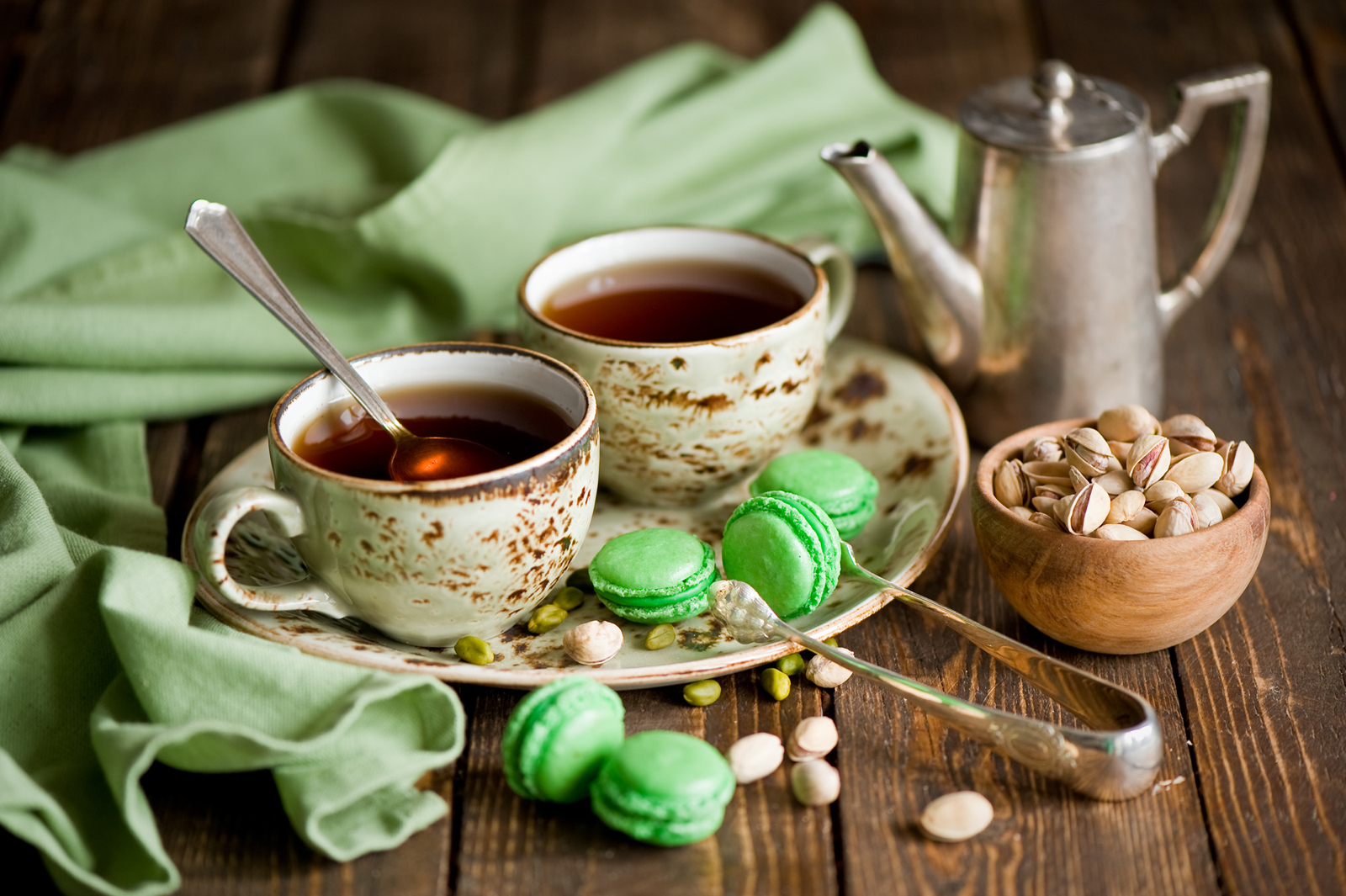 Красивый дизайн стола к чаепитию