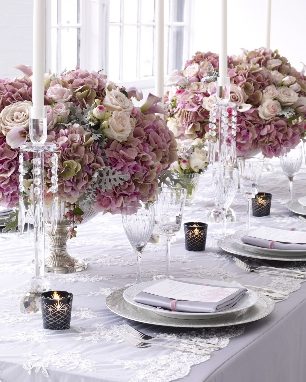 Эффектная сервировка свадебного стола
