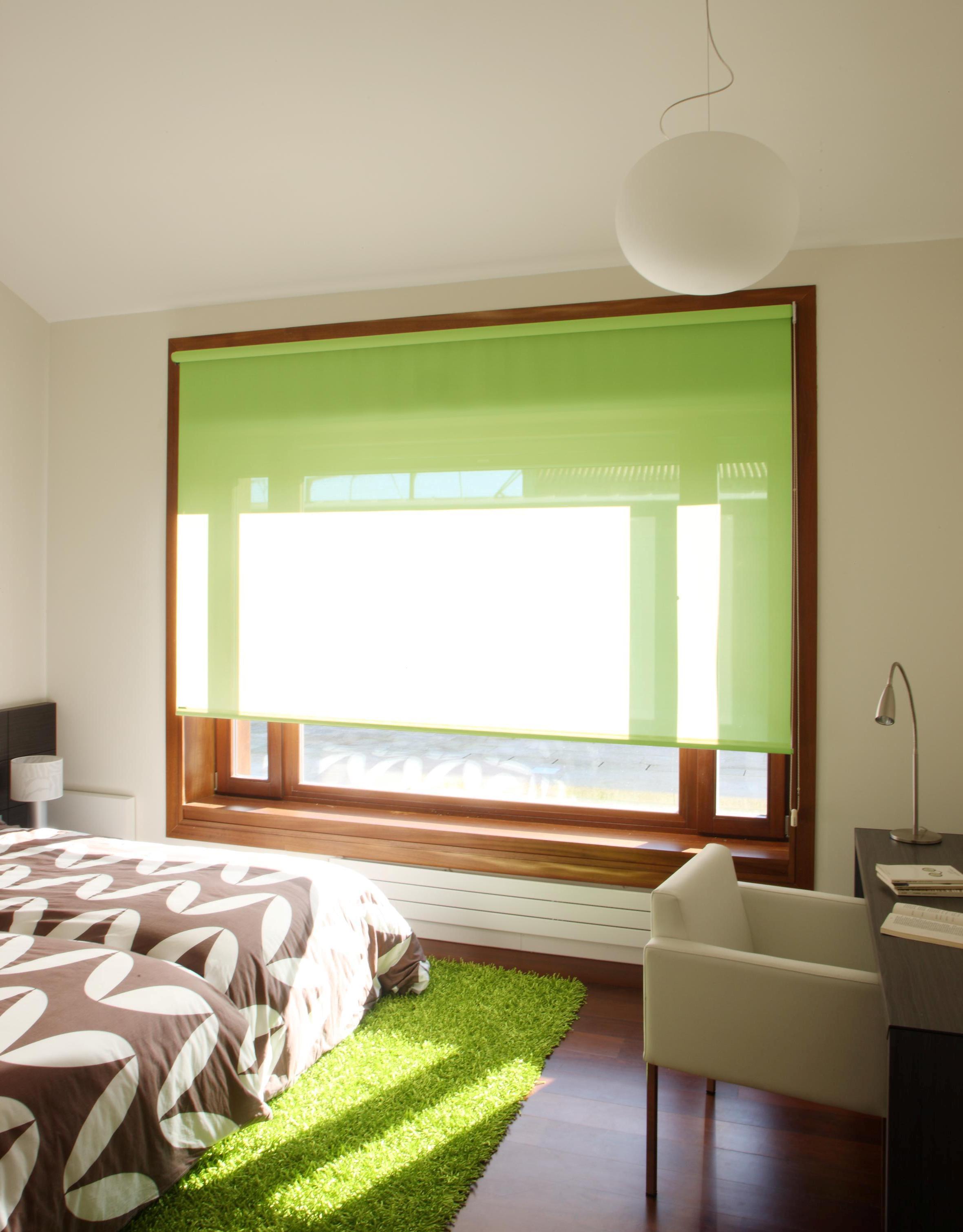 Оливковые шторы в интерьере
