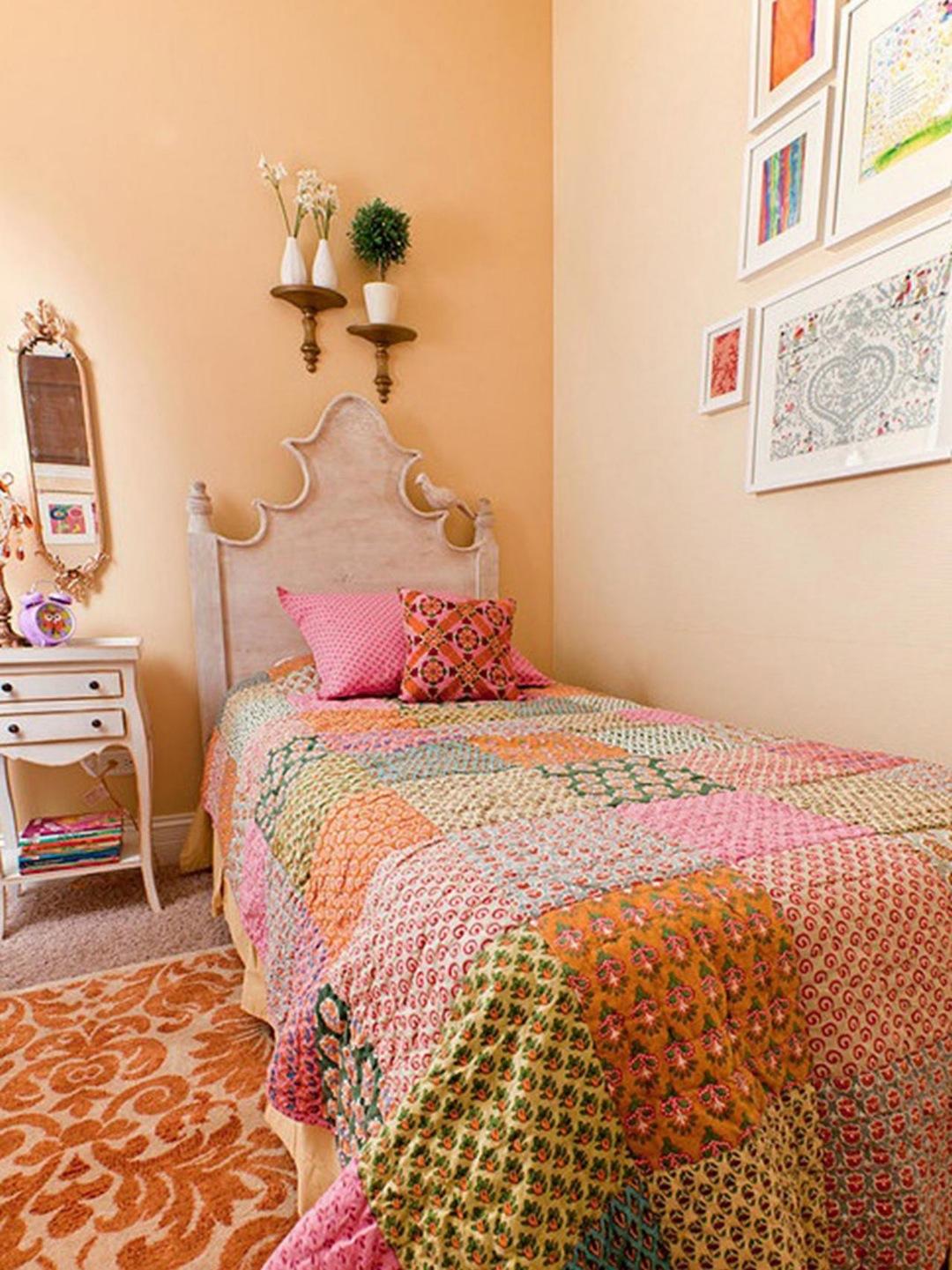 Персиковый цвет штукатурки в интерьере