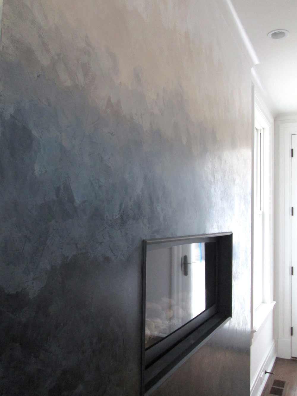 Градиентная стена с помощью разных цветов штукатурки