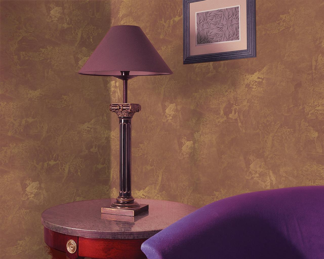 Золотистая штукатурка в интерьере гостиной